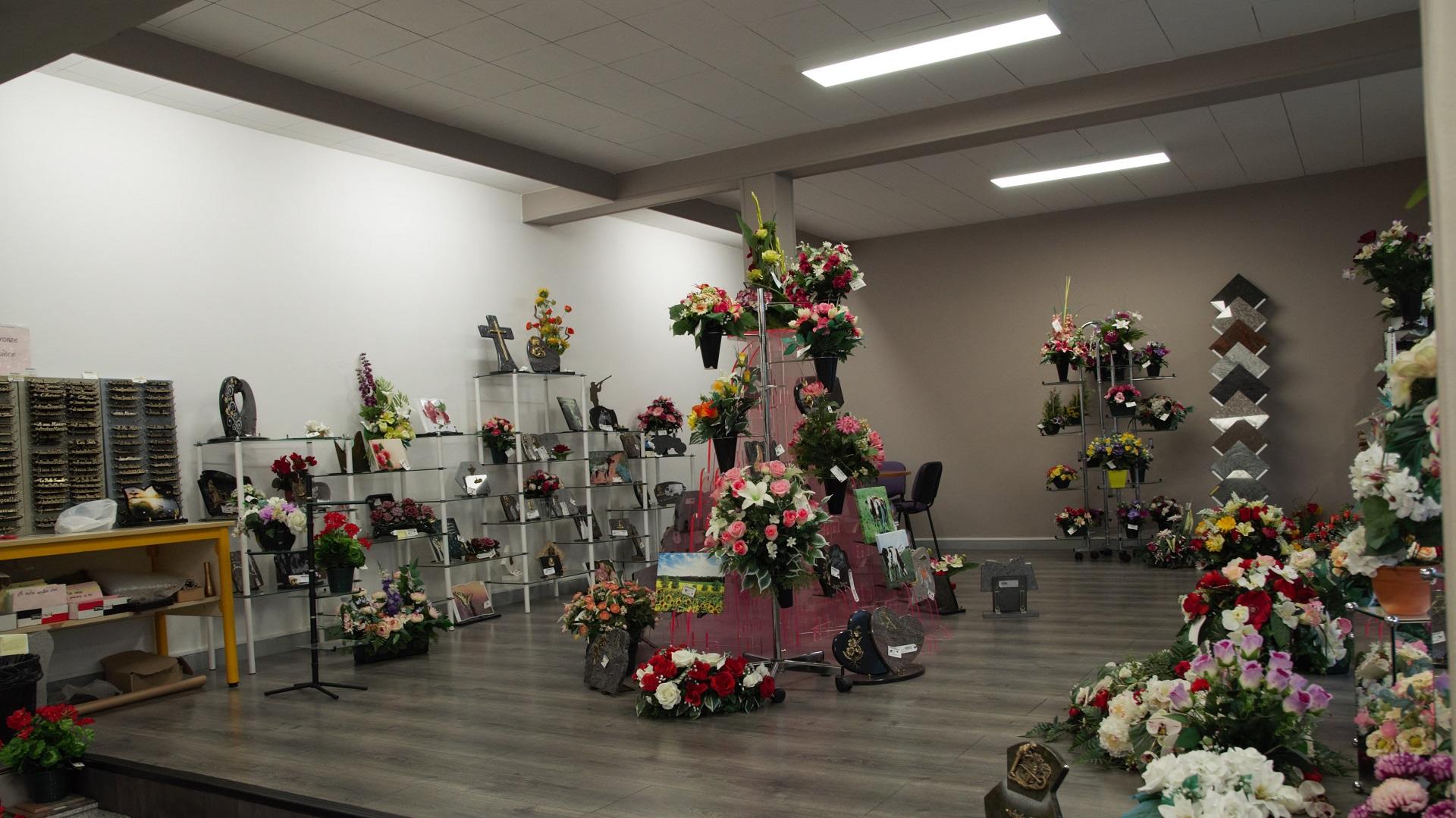 Espace exposition de l'agence de Pompes funèbres Hartmann à Héricourt