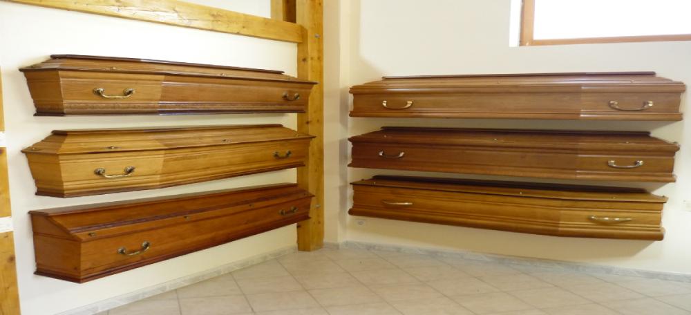 Exposition des cercueils complexe funéraire Sarasar pompes funèbres Girou à Gargas